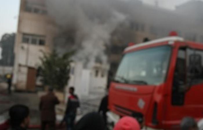 الدفع بـ 6 سيارات إضافية للسيطرة على حريق مخزن أقمشة فى شارع الأزهر