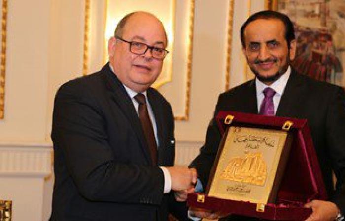 """بالصور..السفير العمانى بالقاهرة يكرم القائمين على كتاب """"عمان فى عيون مصرية"""""""