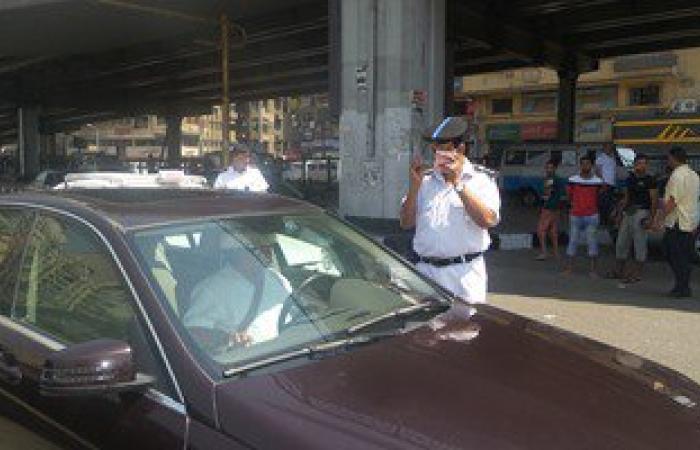 مرور القاهرة يضبط 68 ألف مخالفة متنوعة لسيارات ومركبات بدون لوحات خلال 2015