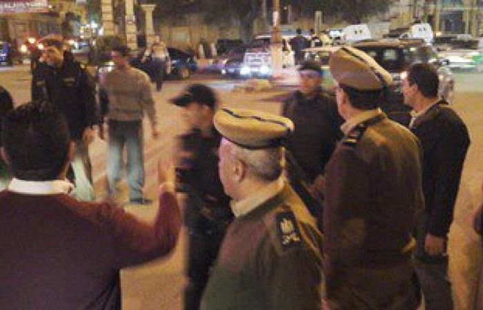 """بالصور..مديرية أمن البحيرة توزع حلوى """"مولد النبى"""" على المواطنين بالشوارع"""