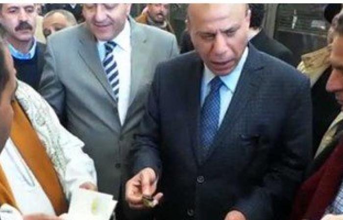 """بالفيديو..مساعد وزير الداخلية  لشرطة النقل يضبط """"أفيون وترامادول"""" بمحطة مصر"""