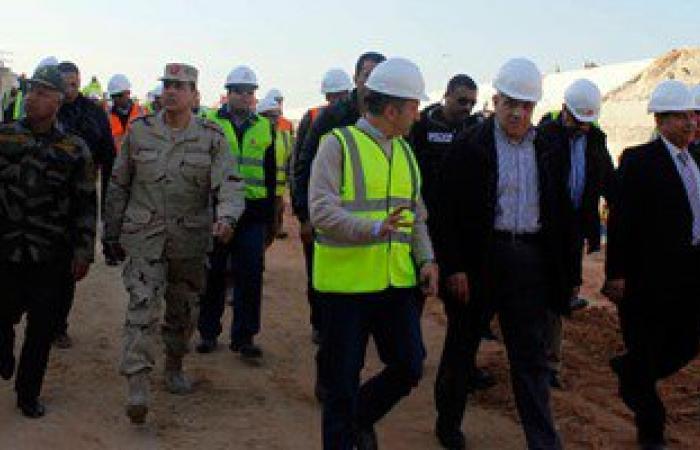 بالصور.. محلب وكامل الوزير يتفقدان العمل بأنفاق قناة السويس فى الإسماعيلية