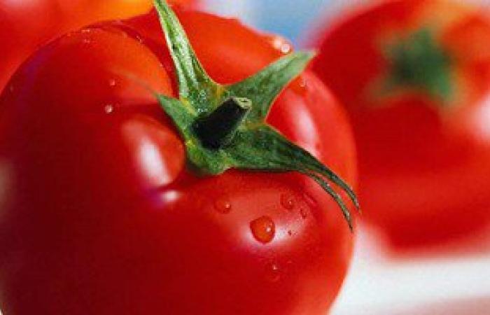 السبانخ والطماطم أطعمة مفيدة لعلاج فقر الدم