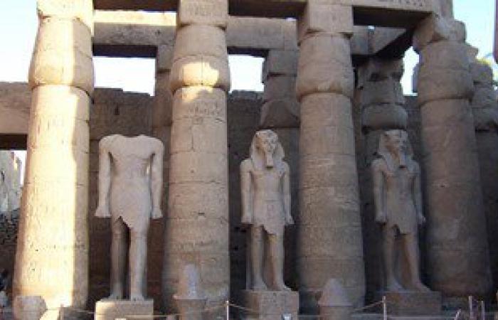 خبراء ترميم مصريون يعيدون إحياء الجانب الشرقى لمقصورة الإسكندر الأكبر بالأقصر
