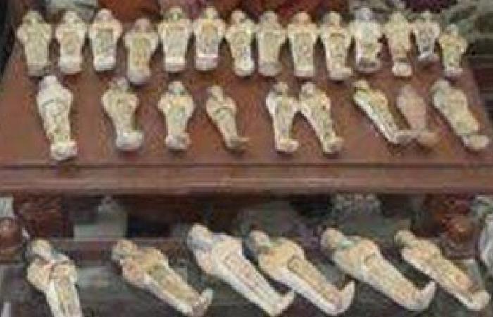 ضبط 41 تمثالا يشتبه فى أثريتهم بحوزة فلاح بأسيوط