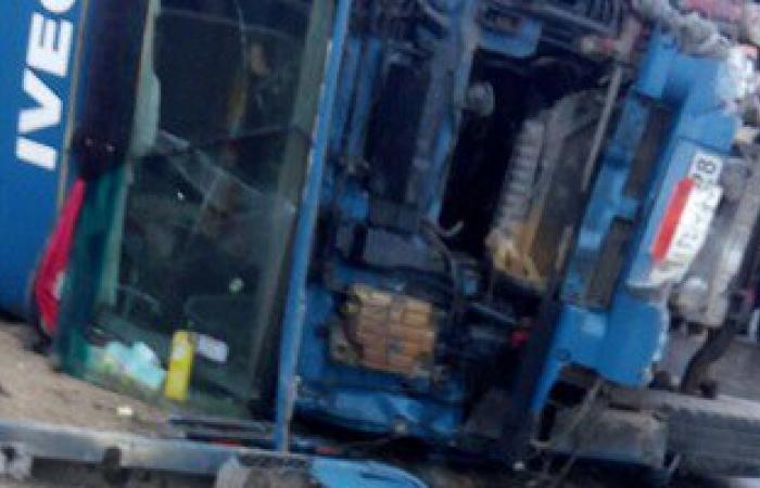 مصرع 7 وإصابة شخص فى تصادم سيارتين فى سمسطا ببنى سويف