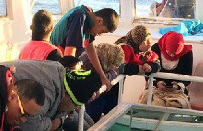"""بالصور.. وزارة الشباب تنظم رحلة """"جلاس بوت"""" بشرم الشيخ لذوى الإعاقة"""