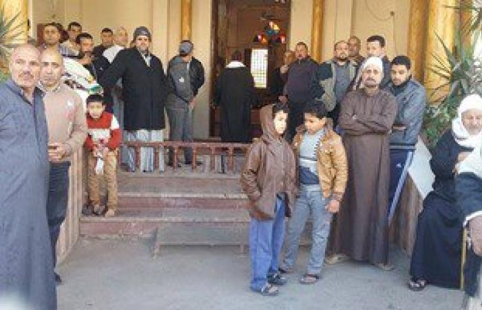 أهالى قرية ميت عاصم بالدقهلية ينتظرون وصول جثمان شهيد العريش بالورود