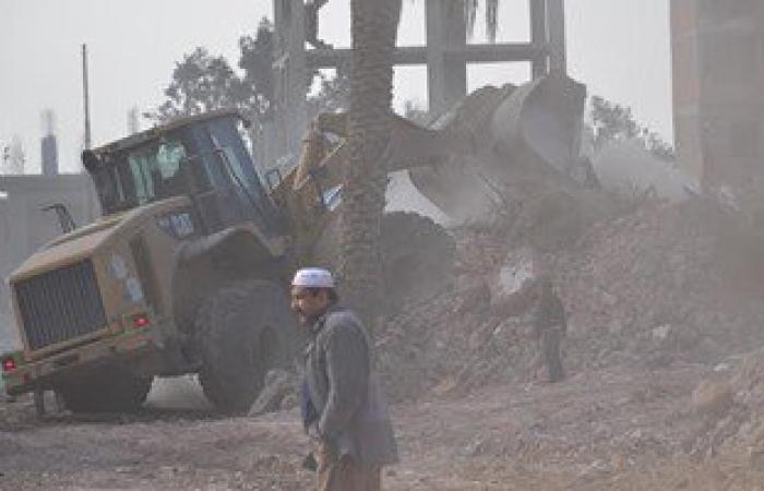 محافظة الاسماعيلية تتابع حملة النظافة العامة بمنطقة الكيلو 2