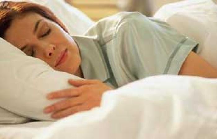 تنظيم النوم والطعام الصحى يحققان توازن ساعتك البيولوجية