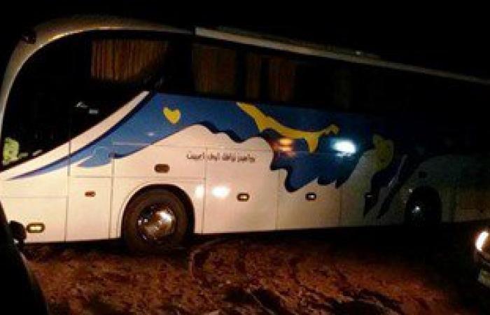بالصور.. ضبط أتوبيس سياحة وسيارة بمقطورة مخالفين لشروط الترخيص بجنوب سيناء