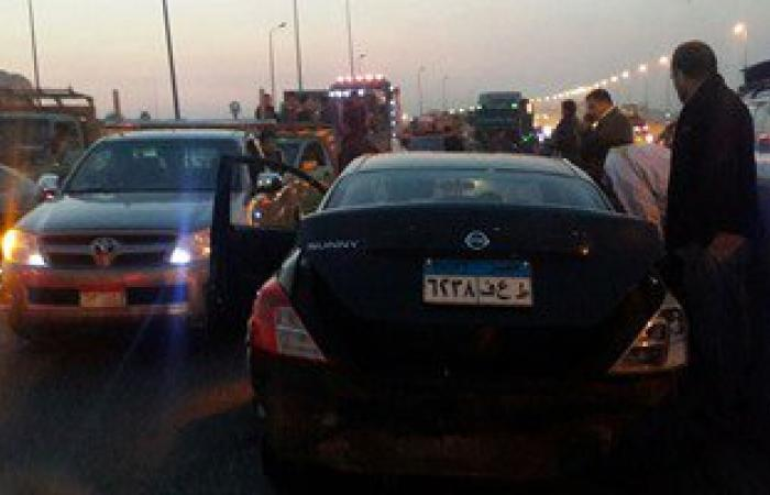 بالصور.. تصادم 3 سيارات على الطريق الدائرى بأكتوبر والمرور ترفع آثار الحادث