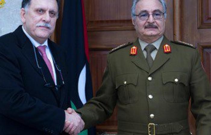 """""""حفتر"""" يلتقى المرشح لرئاسة حكومة الوفاق الوطنى لبحث عدد من القضايا الهامة"""