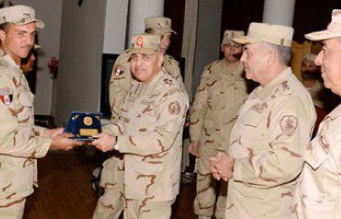 وزير الدفاع: القوات المسلحة تمارس مهامها بتجرد تام وتشارك فى دعم التنمية