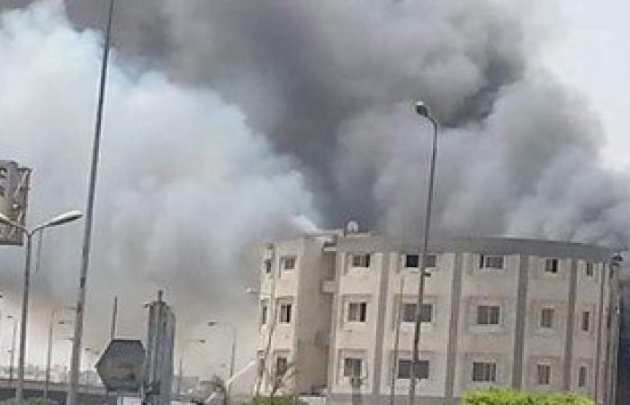 السيطرة على حريق محدود بمخزن لمصنع مراتب بالعبور دون خسائر بشرية