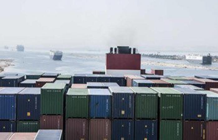 مهاب مميش: 127 سفينة عبرت قناة السويس بحمولة 7.4 مليون طن خلال 3 أيام