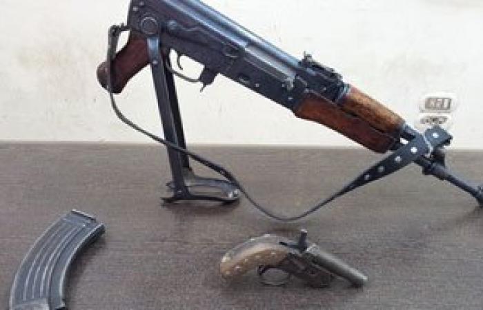 حبس تاجر سلاح ضبط بمنشأة القناطر ضبط وبحوزته بندقية آلية