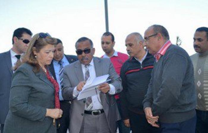 نائب محافظ الإسكندرية على رأس حملة لإزالة الحواجز الخشبية من على الشواطئ