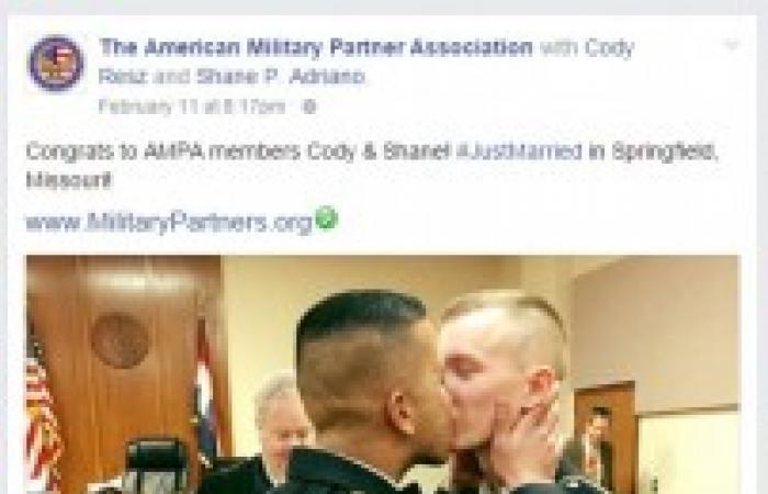 صور | بعد قصة حب.. الجيش الأمريكي يسمح بزواج جنديين «مثليين»