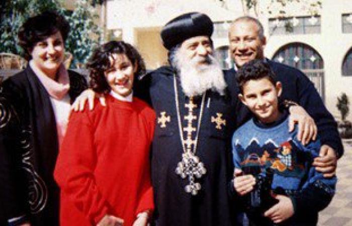 """""""البطريرك مع عائلته"""".. صور نادرة للبابا شنودة فى ذكرى وفاته الرابعة"""