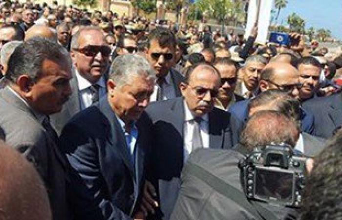 بالصور.. نجوم الكرة يتقدمون تشييع جثمان الشهيد محمد عمر بالإسكندرية