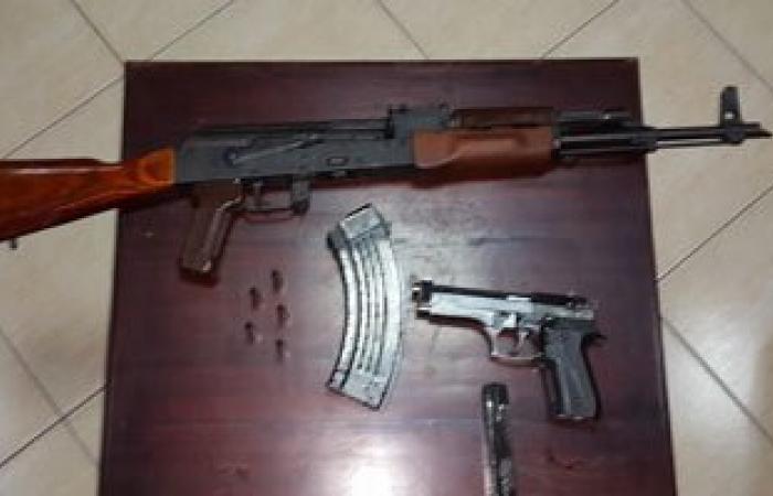 نيابة دمياط تباشر التحقيقات مع المضبوطين بـ380 طربة حشيش وأسلحة نارية