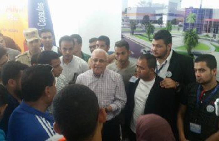 وفد من طلاب 16جامعة مصرية يتفقد مصنع الأدوية بشرق بورسعيد بمرافقة المحافظ