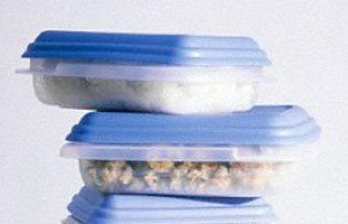 دراسة: استخدام علب الطعام المصنعة من البيسفينول تضر القلب والدماغ والكبد