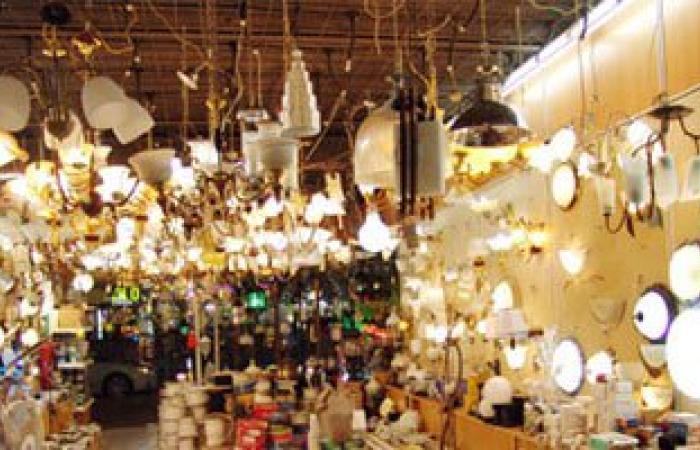 ضبط صاحب محل يبيع أدوات كهربائية مغشوشة بالقاهرة