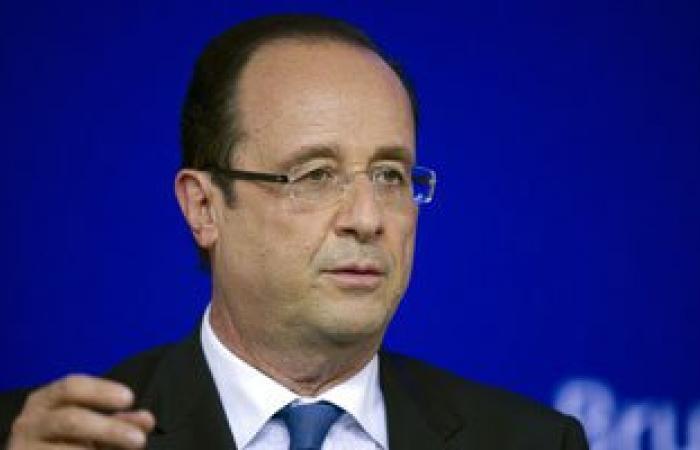 فرنسا تشكل خلية أزمات بمطار باريس بعد اختفاء طائرة مصر للطيران