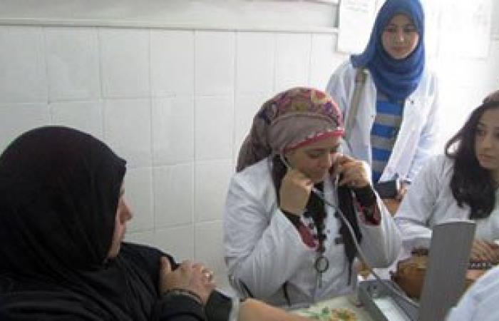 خلال حملة توعية.. 1150 سيدة بالصعيد تلقين كشفا مجانيا لمكافحة سرطان الثدى