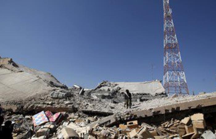 طائرات التحالف تقصف معسكر لواء العمالقة بعمران شمال اليمن