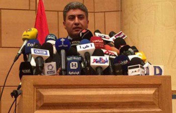 بالصور.. وزير الطيران: لا ننفى فرضية عمل إرهابى فى حادث الطائرة المفقودة