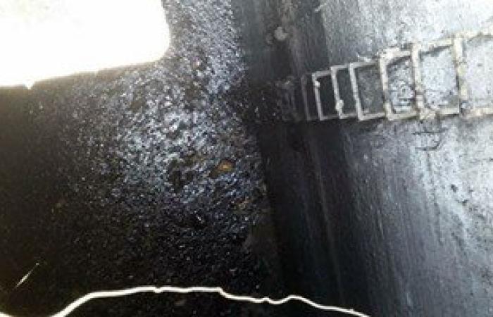 بالصور.. استمرار عمليات شفط المازوت من محطة الصرف الصحى بالمحلة