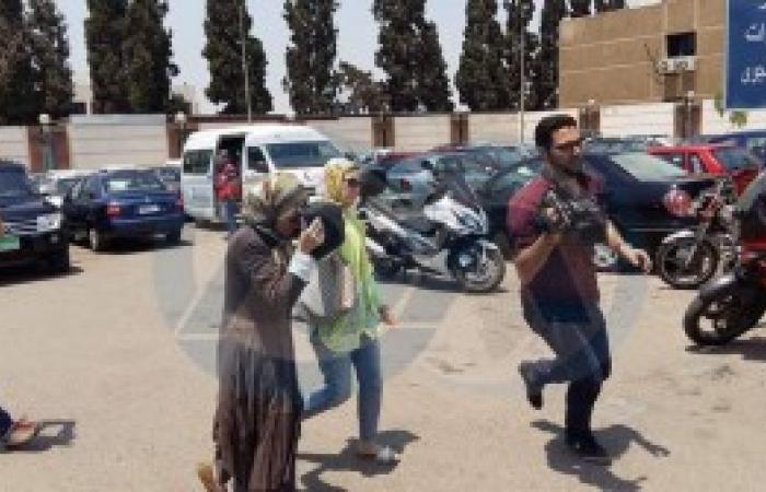صور..حالة من الصدمة والانهيار تتنتاب أهالي ضحايا الطائرة المنكوبة
