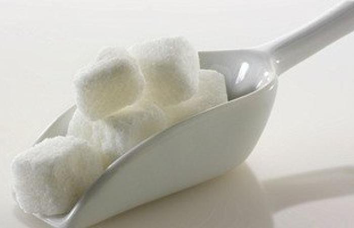 إنذار.. السكر غذاء الأورام ومعلقة واحدة تعطل المناعة 5 ساعات