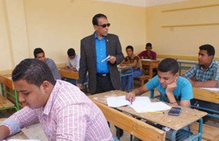 بالصور.. 12210 طلاب بامتحانات الشهادة الابتدائية فى السويس
