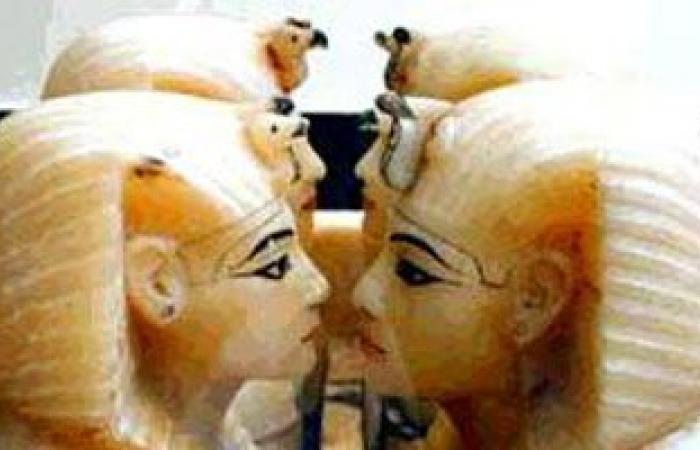 الآثار: الغطائان الآثريان المستردان من اسرائيل يصلان القاهرة قريبا