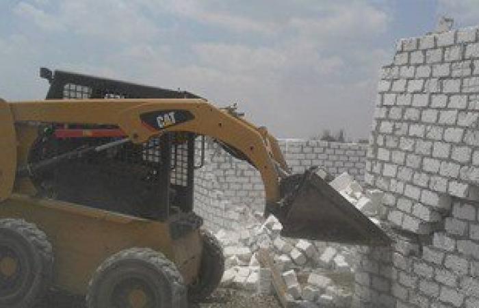 حملة مكبرة لإزالة التعديات على الأراضى الزراعية بقرية نامول بمركز طوخ