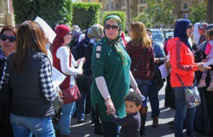 أولياء أمور مدرسة البستان بالإسكندرية يشكون تضررهم من نقل أبنائهم