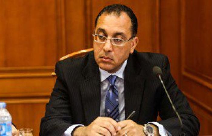 """وزير الإسكان من """"الأسمرات"""": نقضى على العشوائيات فى غضون عامين"""
