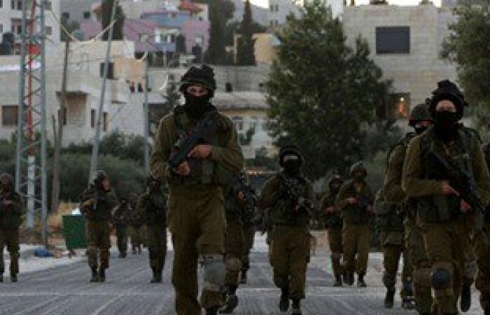 بالصور.. الاحتلال الإسرائيلى يعتقل 11 فلسطينيا بينهم سيدة بنابلس