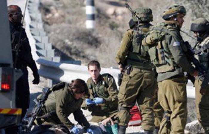 اعتقال 3 شباب فلسطينيين بعد طعن إسرائيليتين وإصابتهما بجروح طفيفة