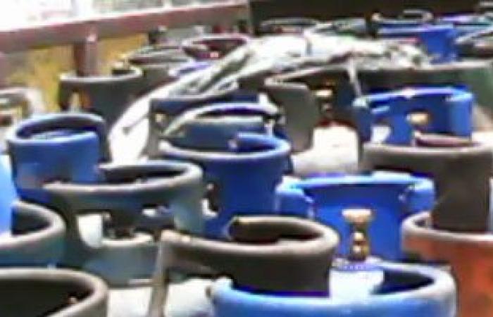لجنة لمعاينة أماكن تخزين اسطوانات الغاز بالبقالين التموينيين بالمنيا