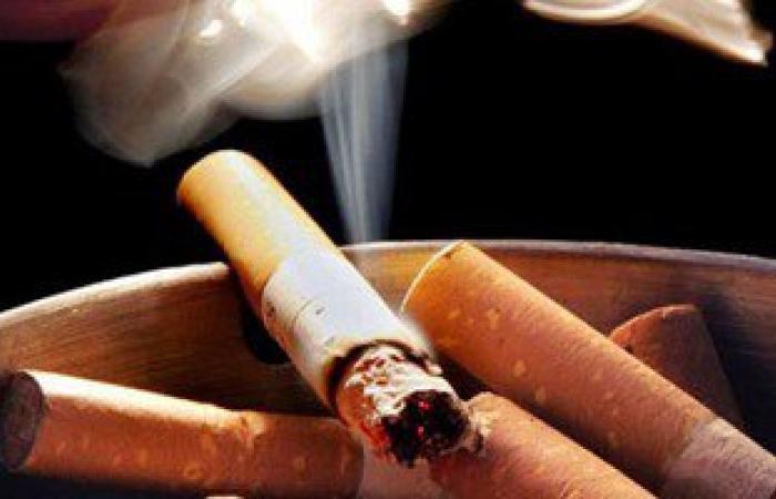 جامعة لويزفيل: تدخين التبغ يعزز نمو البكتيريا بالفم ويسبب أمراض اللثة 