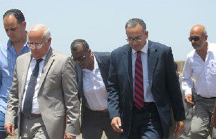 بالصور.. نائب وزير الإسكان يتفقد منطقة تطوير الحظائر الجديدة فى بورسعيد