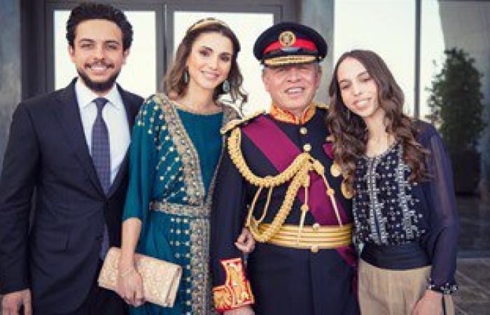 الملكة رانيا تنشر صورة برفقة الأسرة الملكية فى احتفال مئوية الثورة العربية