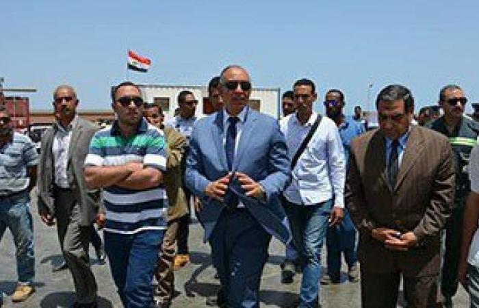 بالصور.. محافظ البحر الأحمر يتفقد مصنع الغاز السائل بمدينة رأس غارب