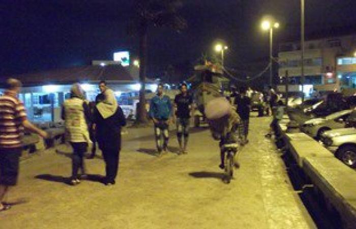 الدمايطة يقضون ليلة عيد الفطر على شاطىء  بلاج رأس البر
