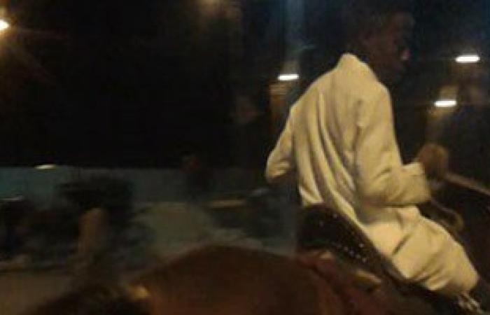 """بالصور .. ركوب الخيل أبرز مظاهر احتفال الأطفال بالعيد بـ""""إدفو"""""""